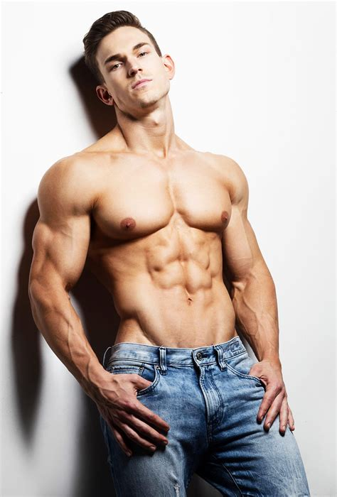 american muscle and fitness personal trainer picture 9