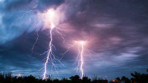 fratpad greece lightning picture 10