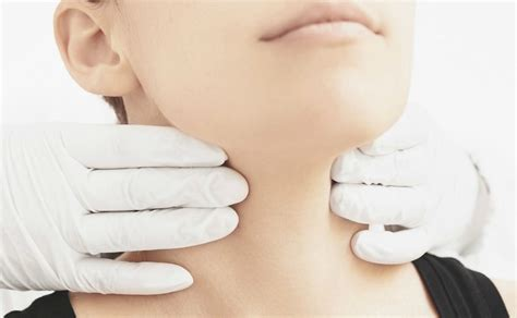 autoimmune thyroid disese palpations picture 9