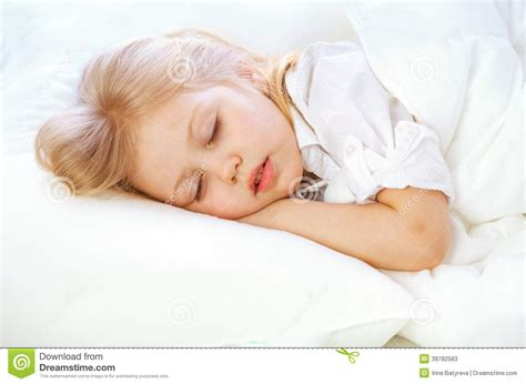 managing with little sleep picture 10