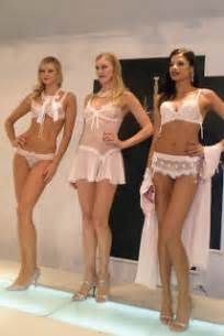 giselle sanchez not taking shower during her entire picture 2