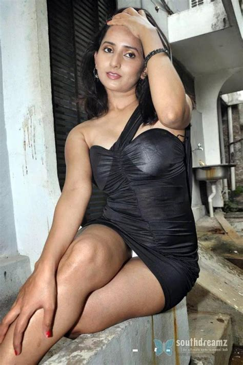 all bollywood actresses panty line in wet dresses picture 7