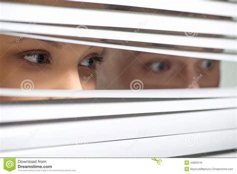 girls observing men picture 9