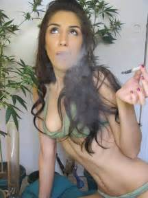 how you smoke in sexy way picture 9