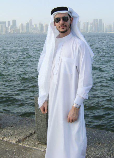 qatar men picture 3
