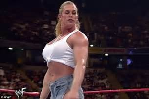 very muscular women wrestling picture 2