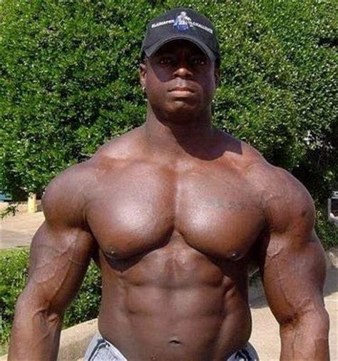 black female bodybuilder picture 13