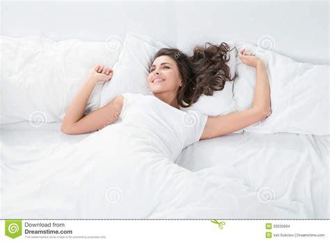 women found sleeping picture 15