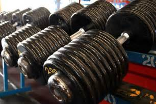 heavy or light weights for building muscle picture 1
