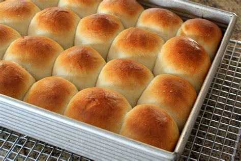 southern style homemade yeast rolls picture 3