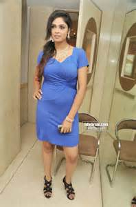 all bollywood actresses panty line in wet dresses picture 5