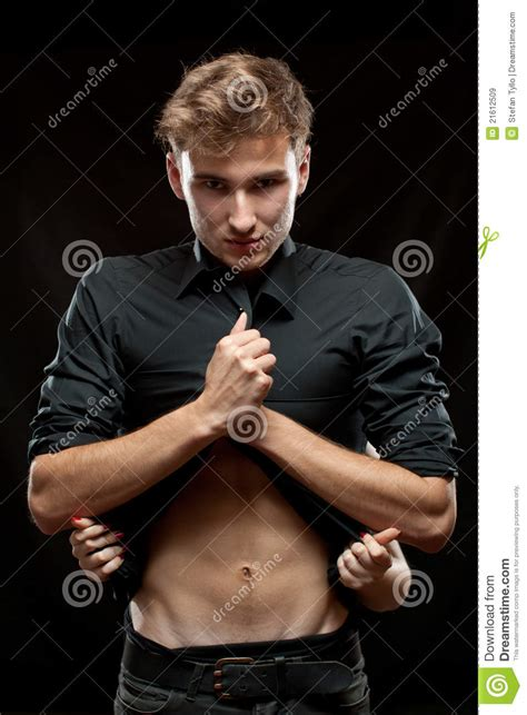 female uhdress male picture 3