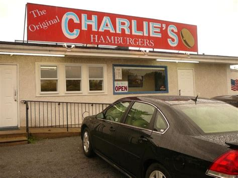 charlie's hamburger joint picture 9