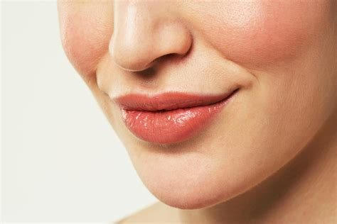 skin needling for plump lips picture 7