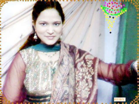 aunty ki chudai dekhi party main picture 5