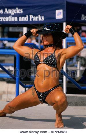 female muscle worship in los angeles picture 1