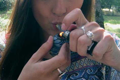girls smoke marijuana picture 10