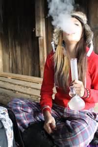 girls smoke marijuana picture 15