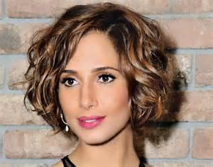 best hairstyle for short wavy hair picture 11