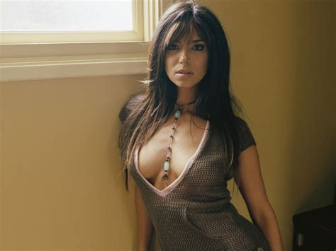 roselyn sanchez with lipgloss on picture 11