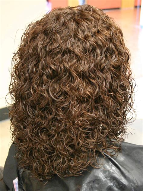 procedure for spiral perm on hair picture 2