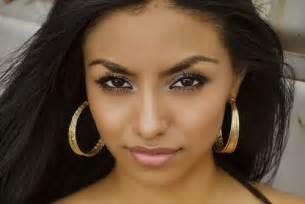dark skin latina pics picture 1