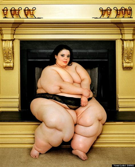 ssbbw fat women full weight squashing little man picture 2
