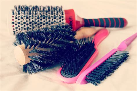 cleaning hair brush picture 6