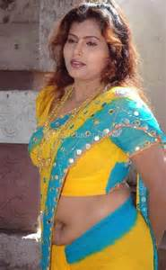 hot south indian aunties showing navel and cleavage picture 29