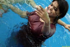 wet indian women picture 7