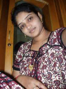 indian auntis in saree n nighty sleeping mages picture 18