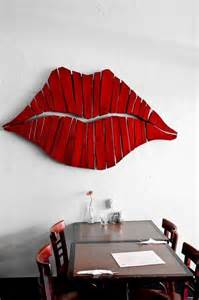 hanging lips picture 7
