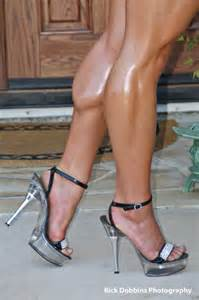 muscular female calves picture 9