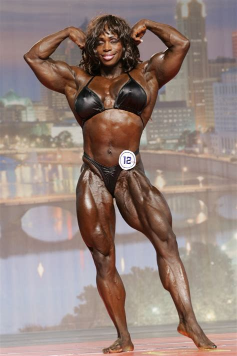 black women bodybuilder in mauricius show picture 5