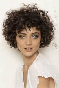 curly hair hairstyles picture 3