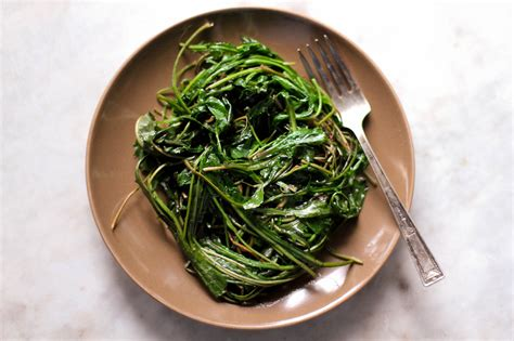 cooked dandelion greens picture 9