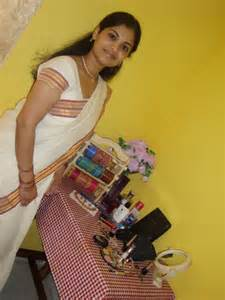 south indian good looking aunties picture 1