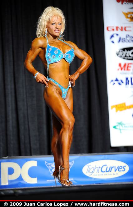 female bodybuilding lesbi picture 6