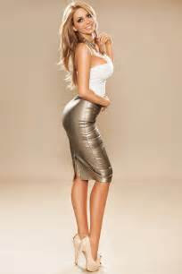blonde s in skin tight skirts picture 5