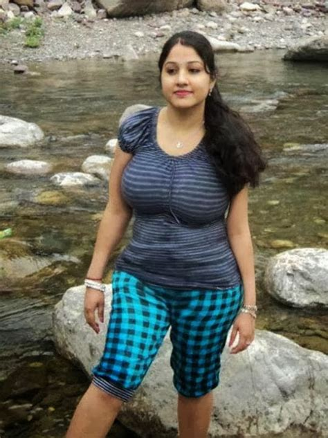 aunty ney breast se muth marvaya picture 4