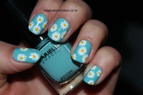 toothe whitening pens on yellow nails picture 10