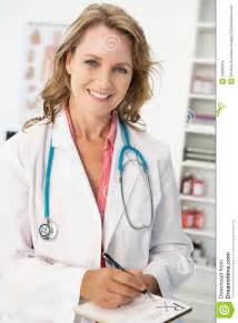 real female doctor picture 3