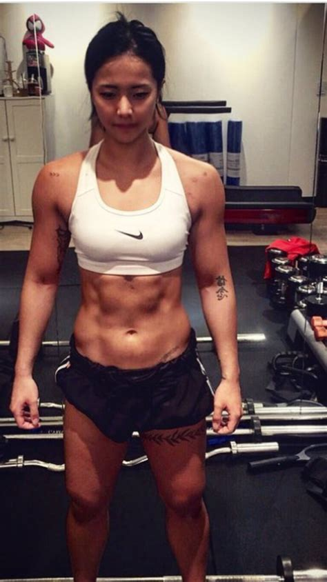 female muscle fitness models picture 5