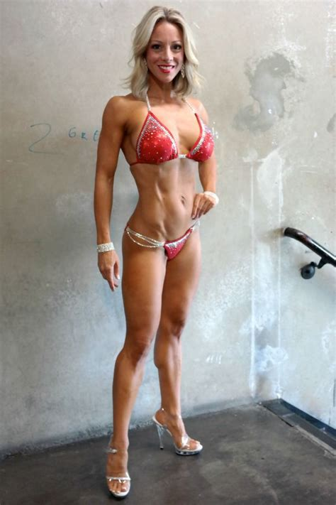 female p muscle picture 10