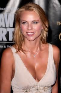 lara logan breast size picture 2