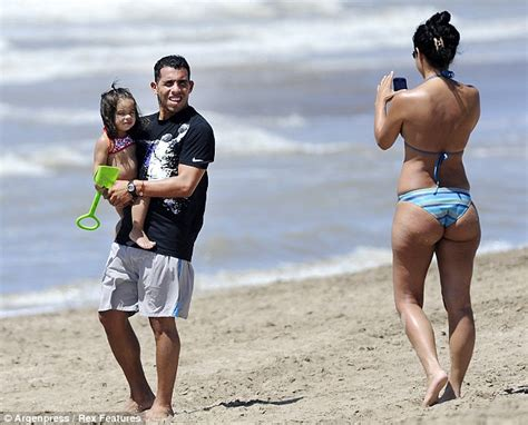 croatia men bulge beach picture 10