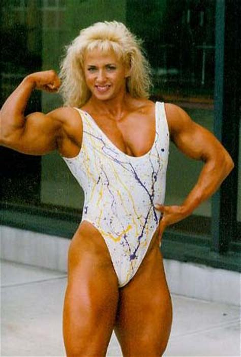 female bodybuilder for muscle posing sessions picture 8
