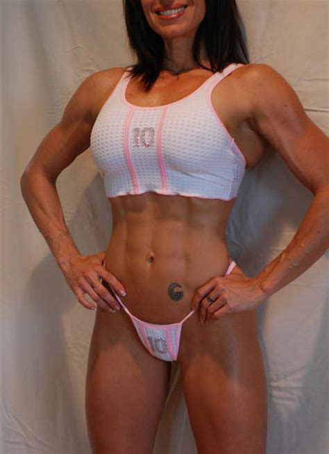 hot female muscle picture 9