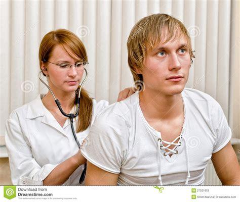 women doctors embarring male patients picture 15