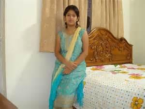 gaon ki women ki peshab hd pic picture 3